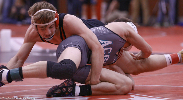 132 - Semifinal - Charlie Pickell (Mankato West) 12-2 won by tech fall over Ramzee Molinaro (Atwater-Cosmos-Grove City) 16-3 (TF-1.5 4:33 (20-5) - 191221amk0010