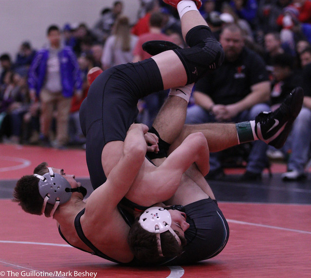138 1st Place Match - Connor Simmonds (Fairmont-Martin County West) 8-0 won by decision over Brett Willaby (Windom-Mountain Lake) 6-1 (Dec 8-2) - 191221bmk0089