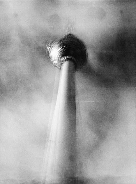 Caffenol & multi-expo: Berlins Fernsehturm
