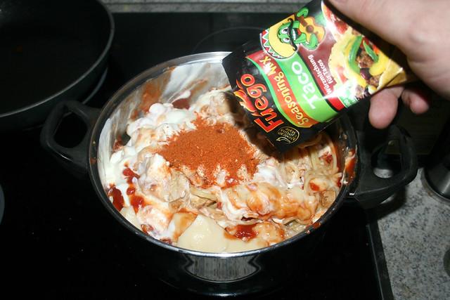 27 - Taco-Gewürzmischung einstreuen / Intersperse taco seasoning mix