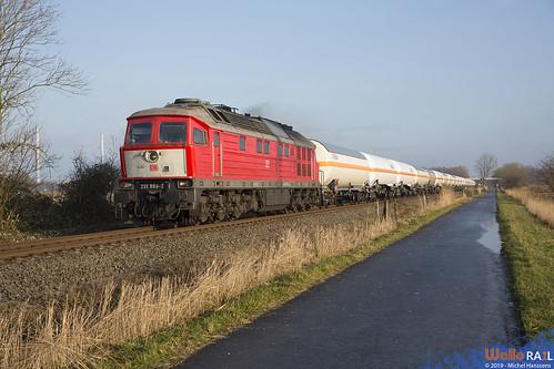 232 909 . DB Cargo .  Fedderwarden , Wilhemshaven . 18.12.19.