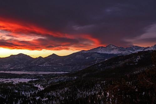 earthnaturelife wondersofnature wintersolstice longspeak colorado rockymountainnationalpark dawn sunrise landscape mountains winter