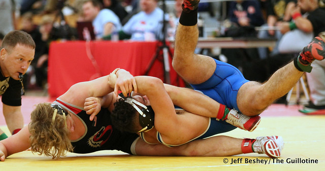 152 Semifinal - Hunter Lyden (Stillwater) 12-1 won by fall over Carlos Ruffo (Kasson-Mantorville) 4-2 (Fall 1:30). 191221AJF0235