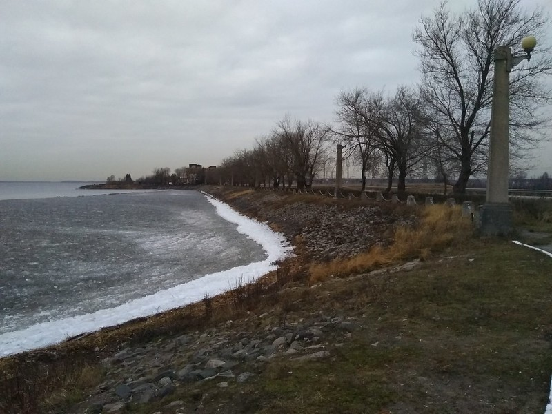 Земляная плотина, вид в сторону Иваньковской ГЭС, Дубна