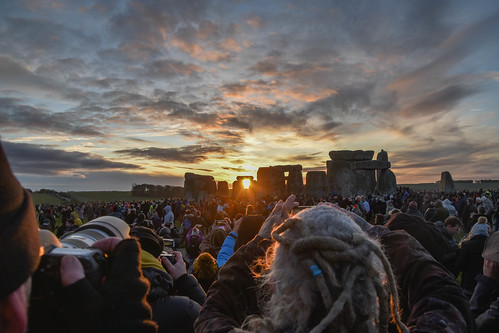 sunrise rain winter weather standingstones stonehenge stonecircles solstice wilthire sunshine sun