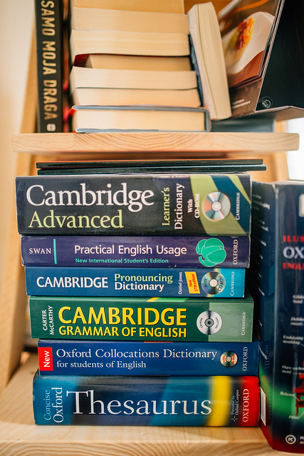 Collection of English literature. Cambridge grammar of english.
