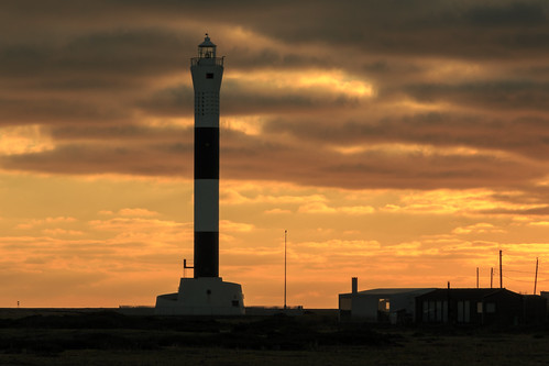 dungeness light house lighthouse sun set sunset beach kent