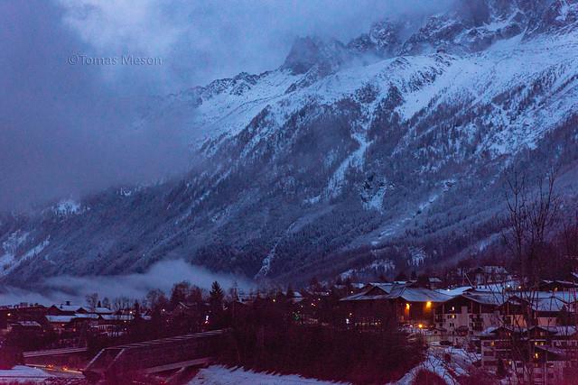 Cae la noche en el valle de Chamonix  _DSC3519 M c em