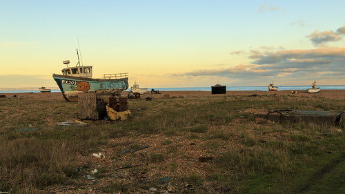 dungeness ship boat fishing sun set sunset beach kent rx303