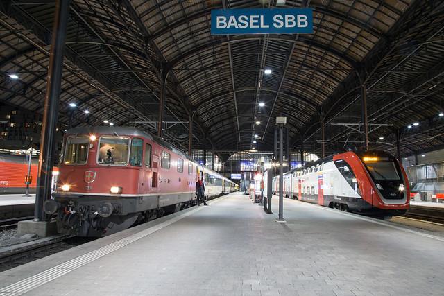 SBB Re 4/4 420 130 + RABe 502 214 Basel SBB