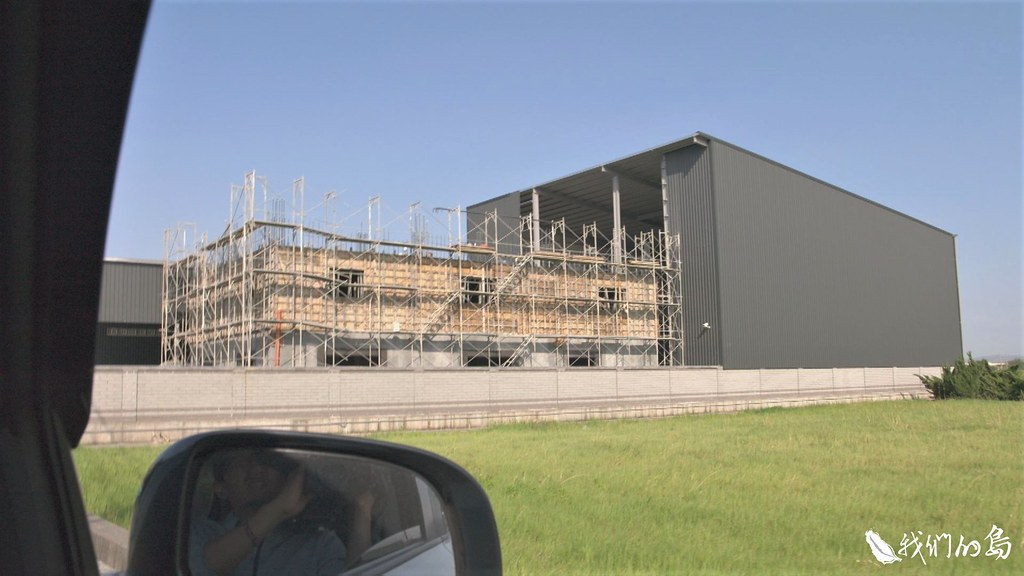 彰化鹿港遍布農地工廠,不少是2016年後興建,環保團體檢舉後,不只沒有拆除,還近完工。