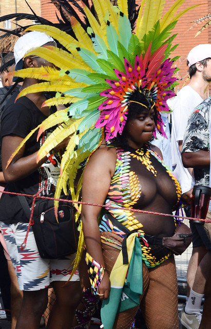 DSC_2877a Notting Hill Caribbean Carnival London Exotic Colourful Costume Dancing Lady Showgirl Performer Aug 28 2017 Stunning Big Beautiful Woman BBW all shapes and sizes