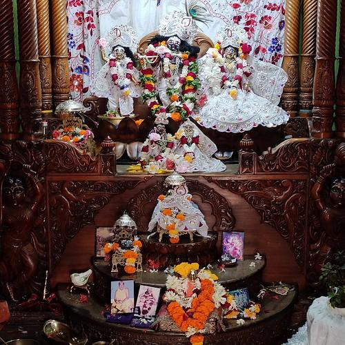 ISKCON Bhubaneswar Deity Darshan 16 Dec 2019