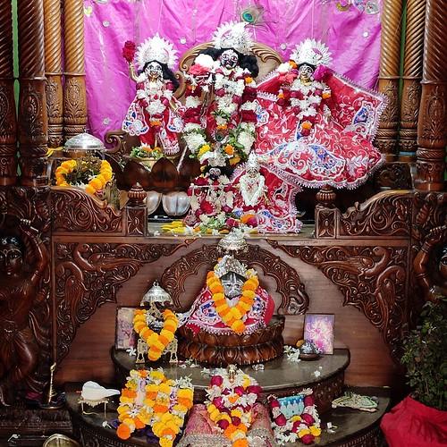 ISKCON Bhubaneswar Deity Darshan 22 Dec 2019