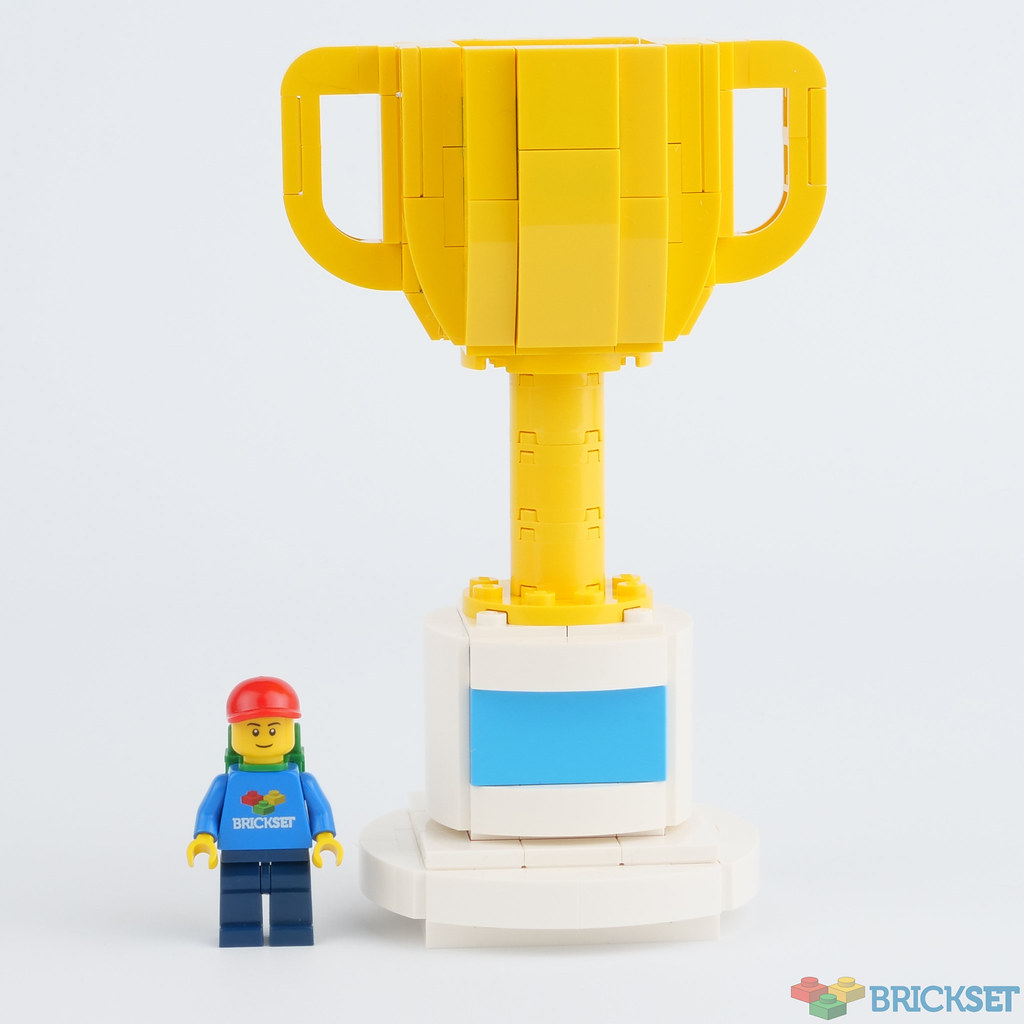 LEGO Miscellaneous 40385 LEGO Trophy Review