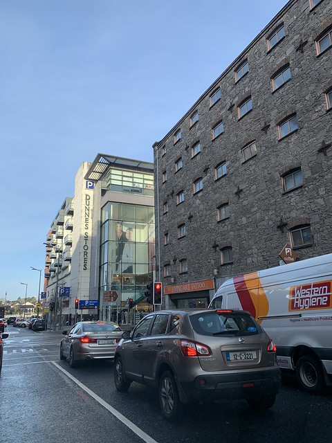 Christmastime - junction of Henry Street and Shannon Street, Limerick City - December 23, 2019