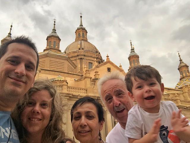 En familia por Zaragoza (Basílica del Pilar)