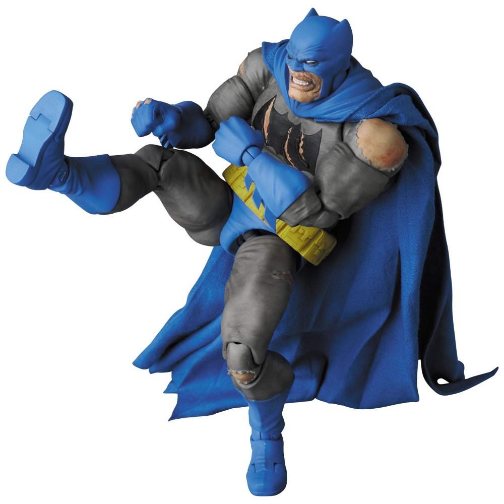 傷痕累累的頭雕高度再現! MAFEX《蝙蝠俠:黑暗騎士歸來》蝙蝠俠 マフェックス No.119 MAFEX BATMAN(TDKR:The Dark Knight Triumphant)