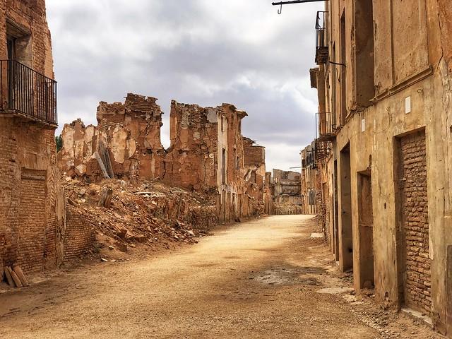 Calle Mayor de Belchite Viejo