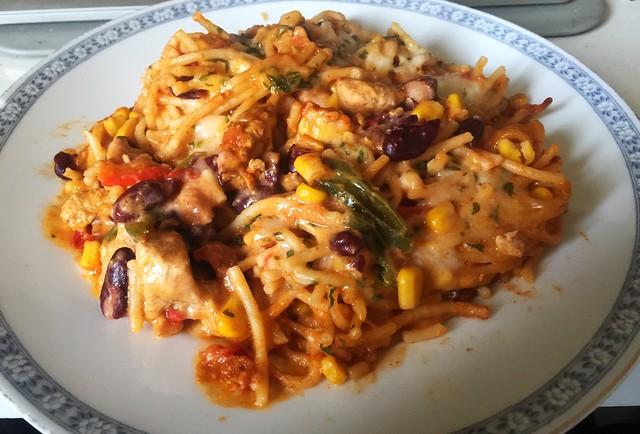 Spaghetti pasta bake with chipotle honey lemon chicken - Leftovers / Spaghettiauflauf mit Chipotle-Honig-Limonen-Hähnchen - Resteverbrauch