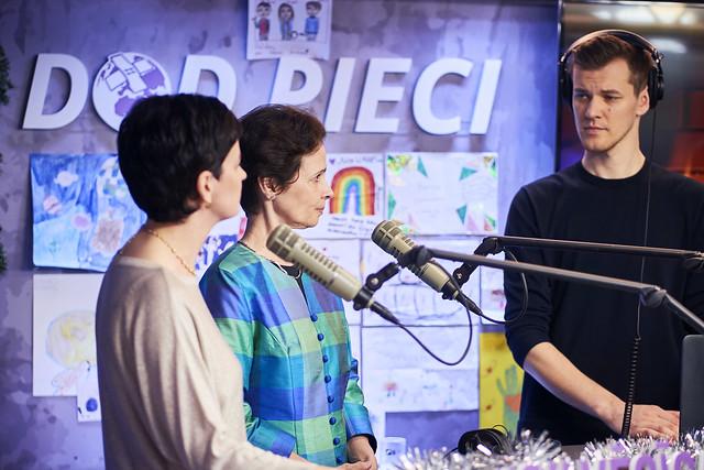 """23.12.2019. Valsts prezidenta dzīvesbiedre Andra Levite piedalās labdarības maratona """"Dod Pieci!"""" noslēguma pasākumā"""