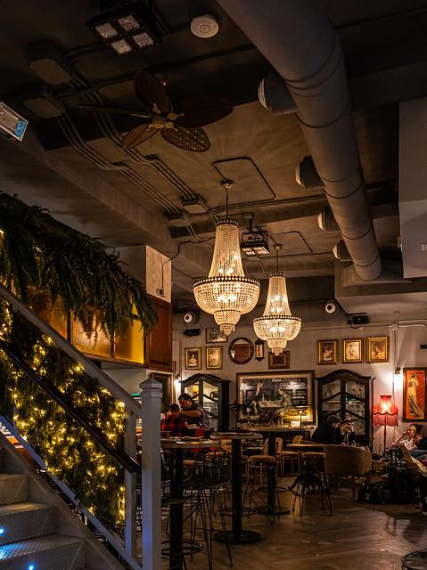 Inside Cafe Madrid (Valencia) (Panasonic Lumix  DC-S1 & 24-105mm f4) (1 of 1)