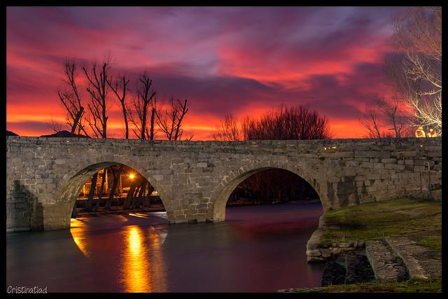 Atardecer en el puente románico de #Navaluenga #Ávila