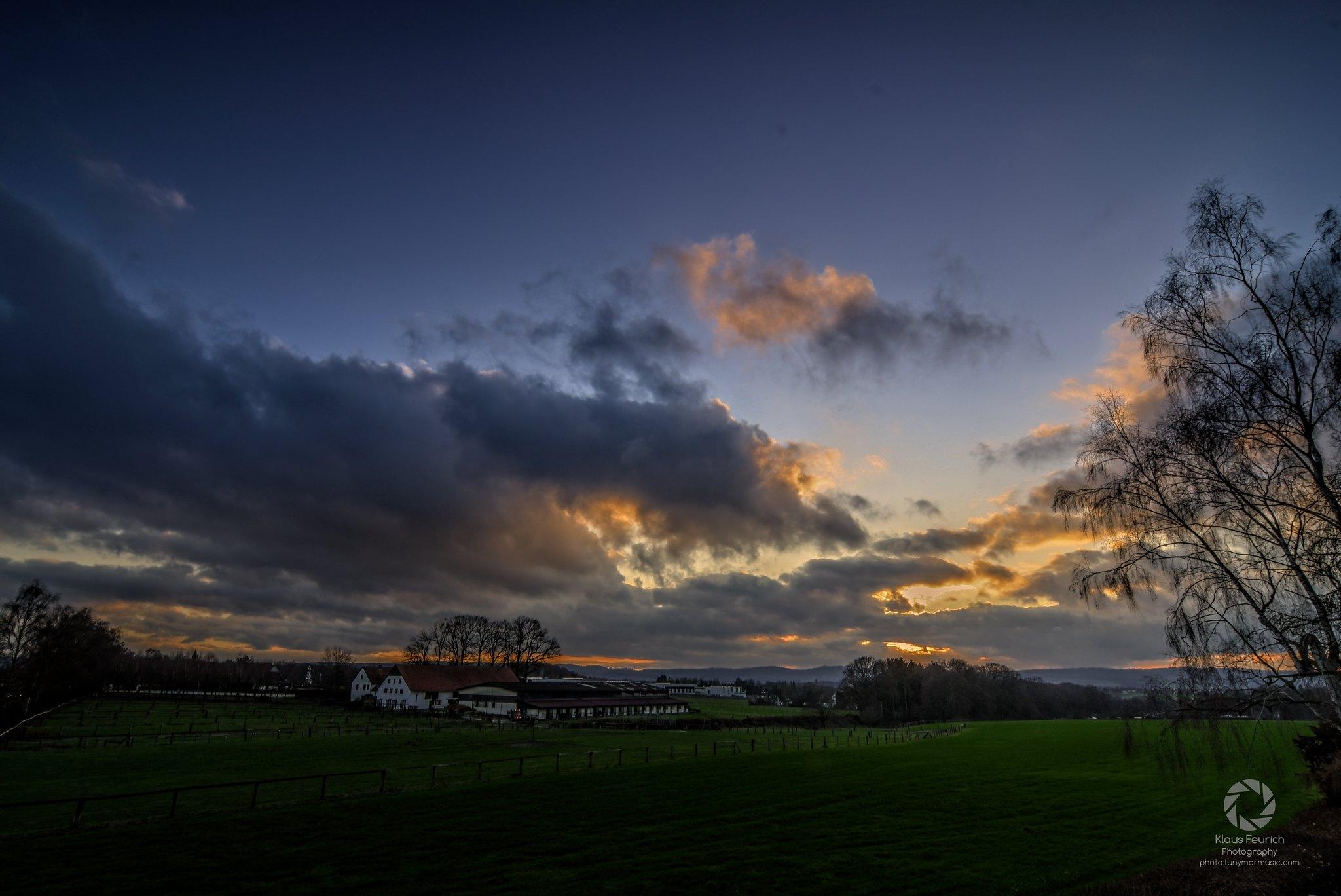 Sonnenuntergang im Dezember - Aufnahme mit Nikon D7500 und Tokina AT-X 124 AF PRO DX + Soft GND8 (Blende ƒ/11 - Brennweite 12mm - Verschlusszeit 1/40 - ISO 200)