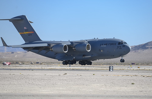 Boeing C-17 Over the Thresh Hold