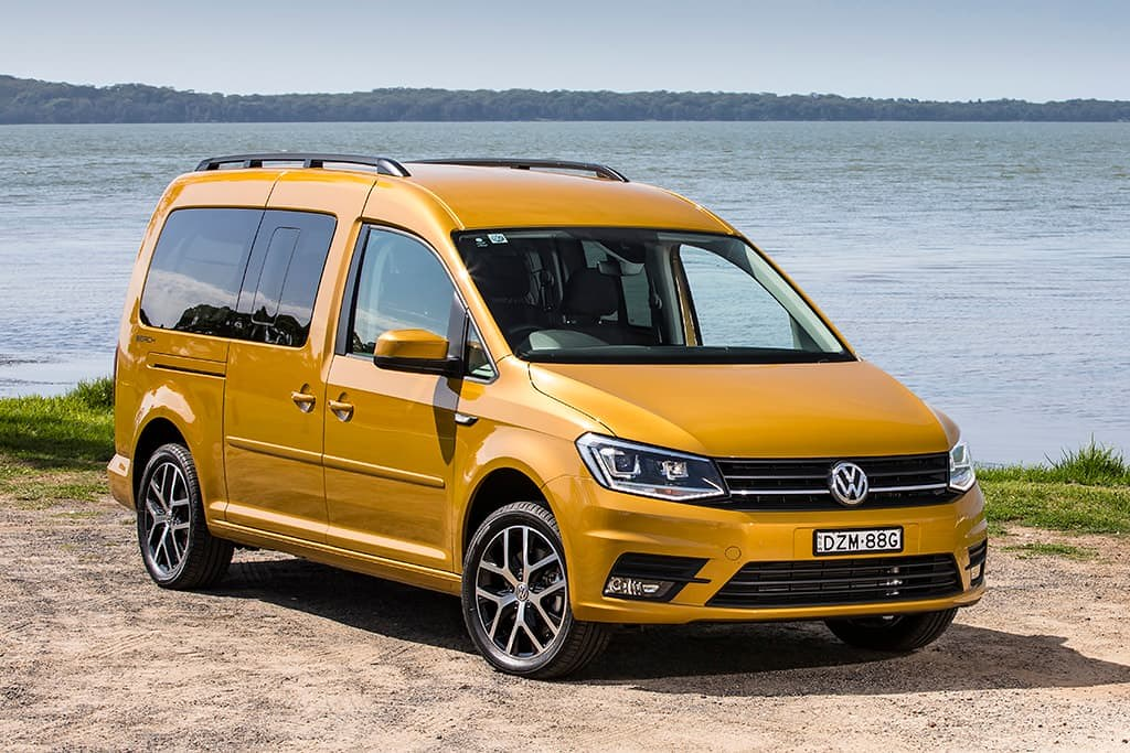 2019-vw-caddy-beach-004