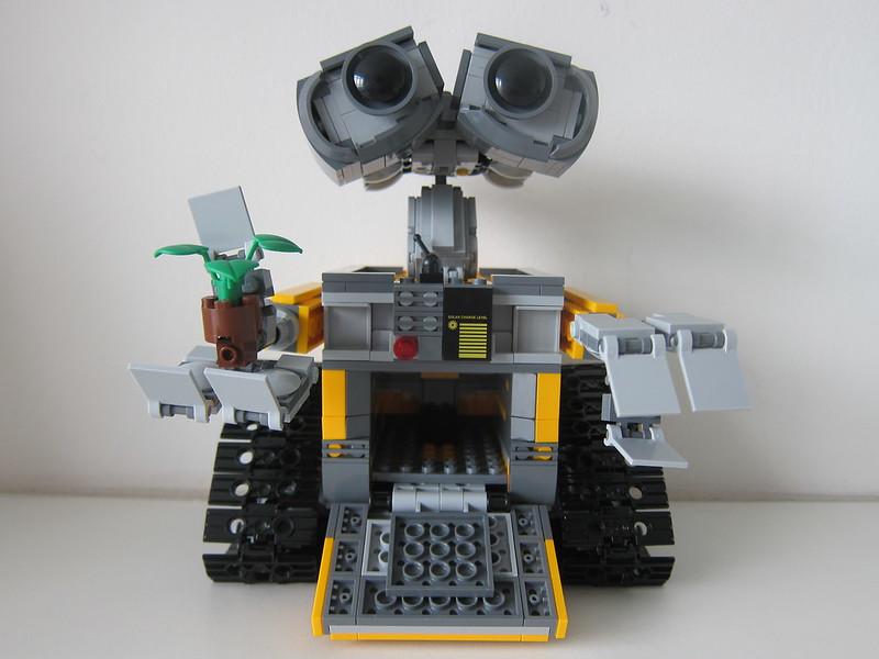LEGO IDEAS Wall-E 21303 - Front - Open
