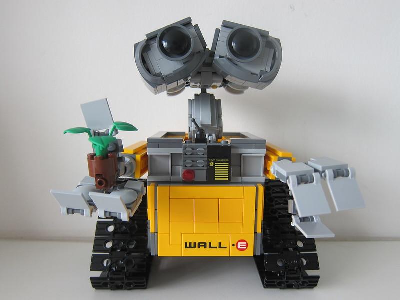 LEGO IDEAS Wall-E 21303 - Front