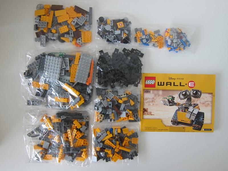 LEGO IDEAS Wall-E 21303 - Box Contents