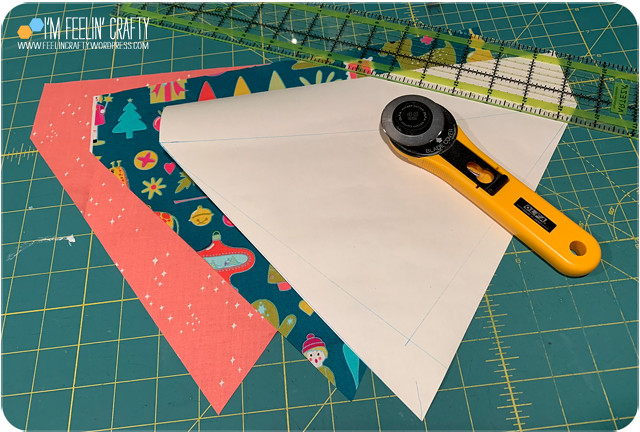 DogBandana-Tutorial-01Cut-ImFeelinCrafty
