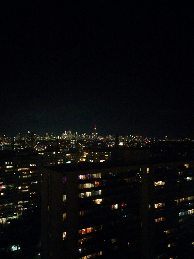 Looking east, towards downtown Toronto #toronto #skyline #night #lights #highparknorth