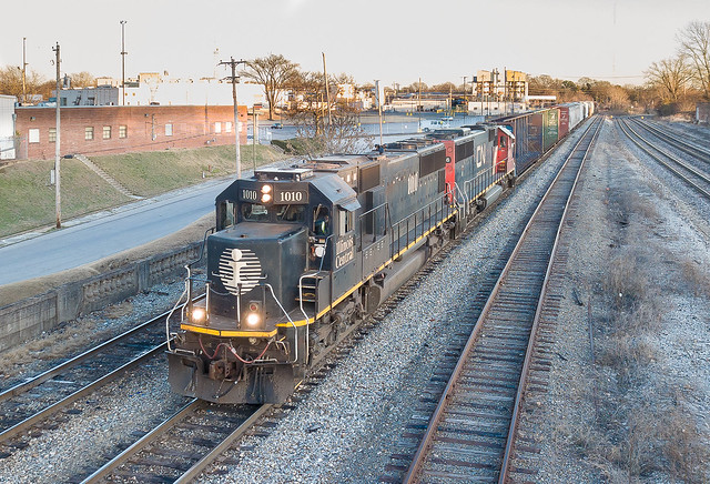 Illinois Central IC 1010 (SD70) Train:RJY30 KC Jct, Memphis, Tennessee