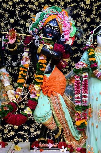 ISKCON GEV Deity Darshan 24 Dec 2019