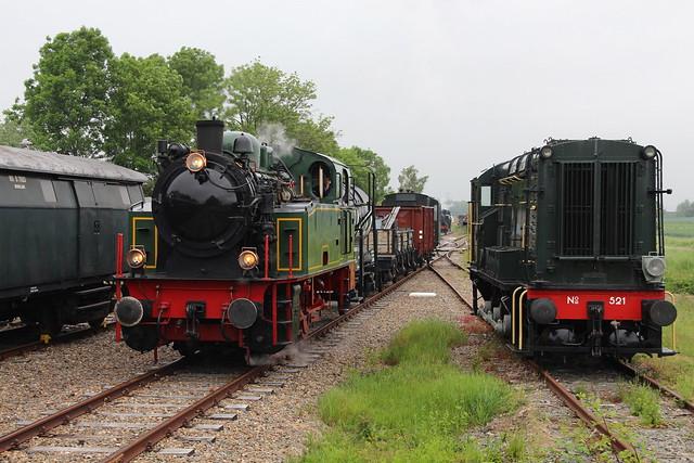 2019-05-30; 0024. SGB 521 en HSIJ 22 Tom met Goederentrein 101. Sporen naar het verleden SGB. Ruilverkavelingsweg, 's-Gravenpolder.