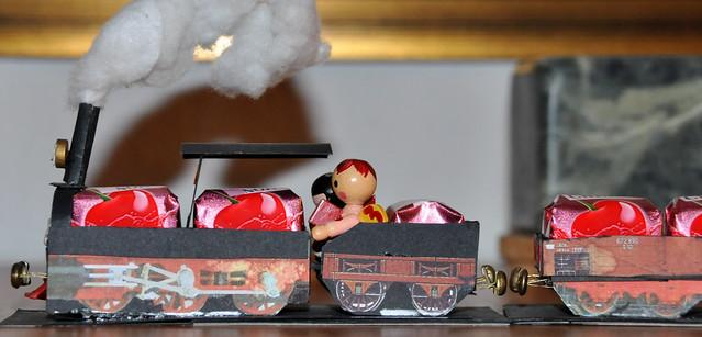 Weihnachten 2019 ... Pralinenbahn und Weihnachtsengel ... Brigitte Stolle