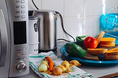 Photo of vegetables beside gray electric kettle - Credit to https://homegets.com/