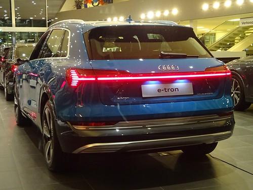 2019 Audi e-tron Photo