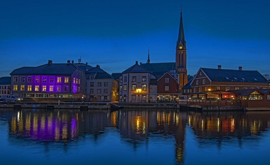 Arendal by night