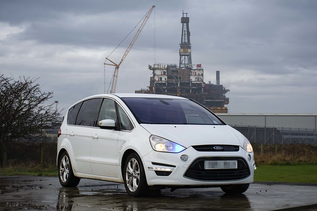 Unmarked Ford S-Max