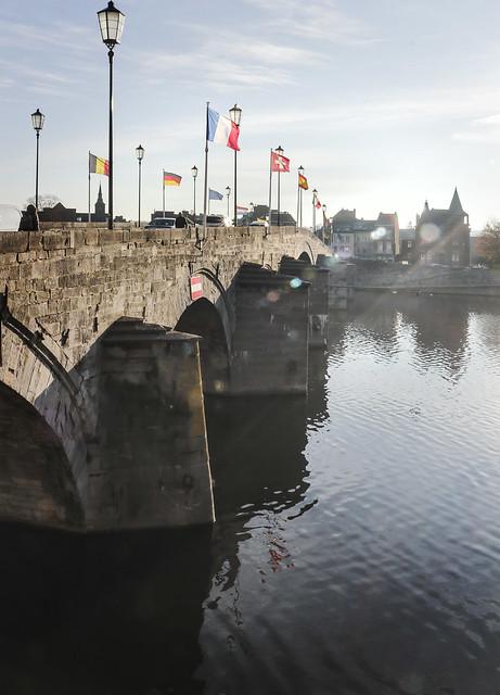 Pont de Jambes, Nanur