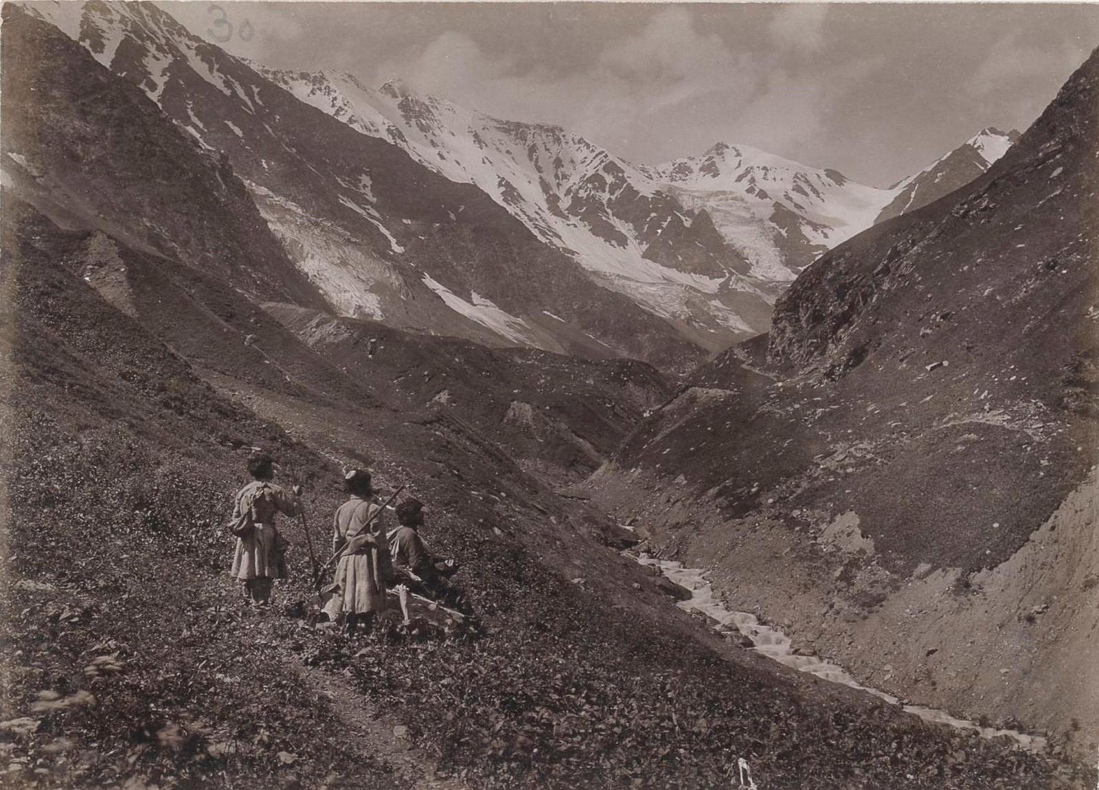 17. Восточный Кавказ. Горный массив Диклосмта. Харгенахская долина, Июль