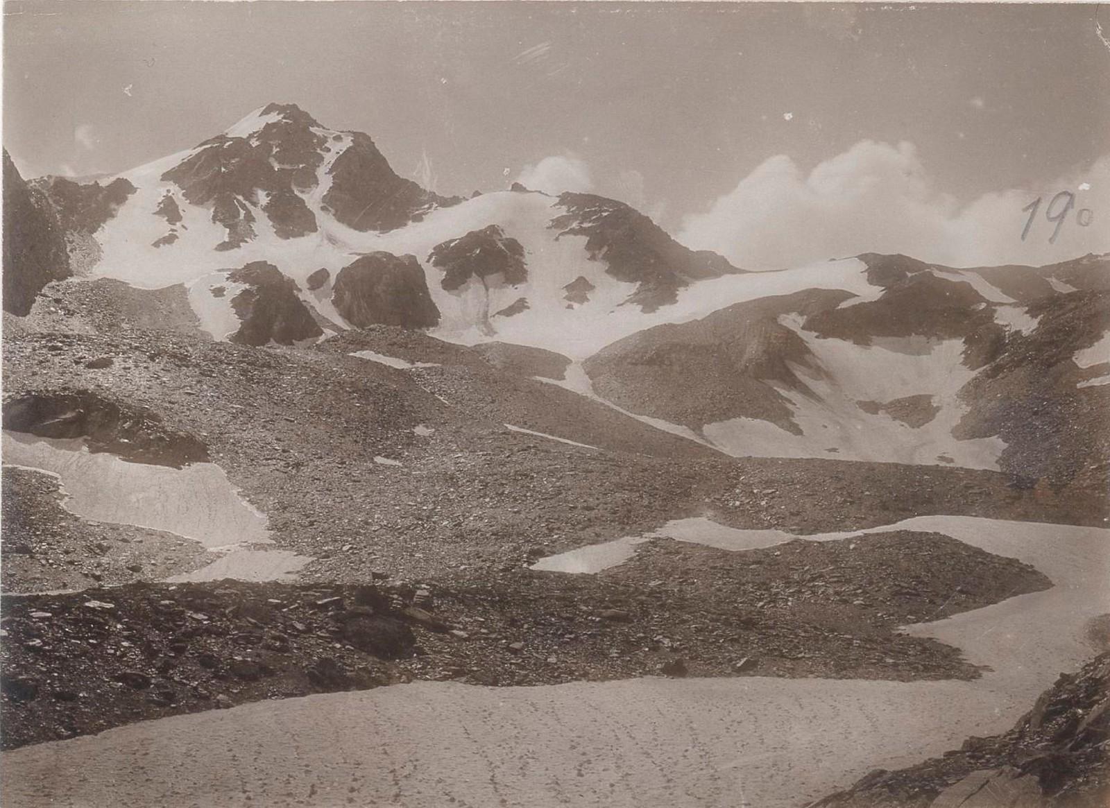 29. Восточный Кавказ. Хевсурские Альпы. Перевал Инквари-геле (3400 м). Август