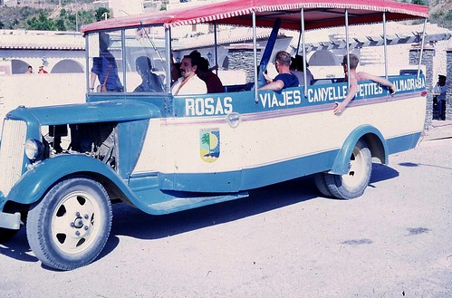 Jardinera Roses autocars Vinyoles