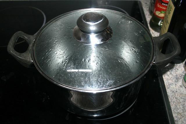 19 - Wasser erwärmen aber nicht kochen / Heat but do not cook water