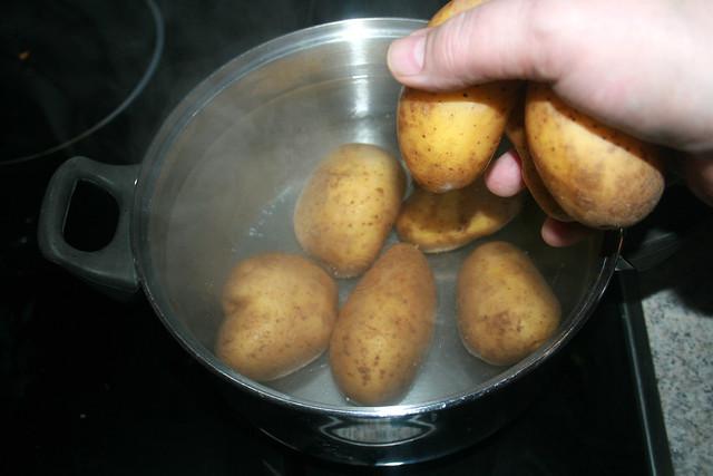 03 - Kartoffel als Pellkartoffeln kochen / Cook potatoes with peel