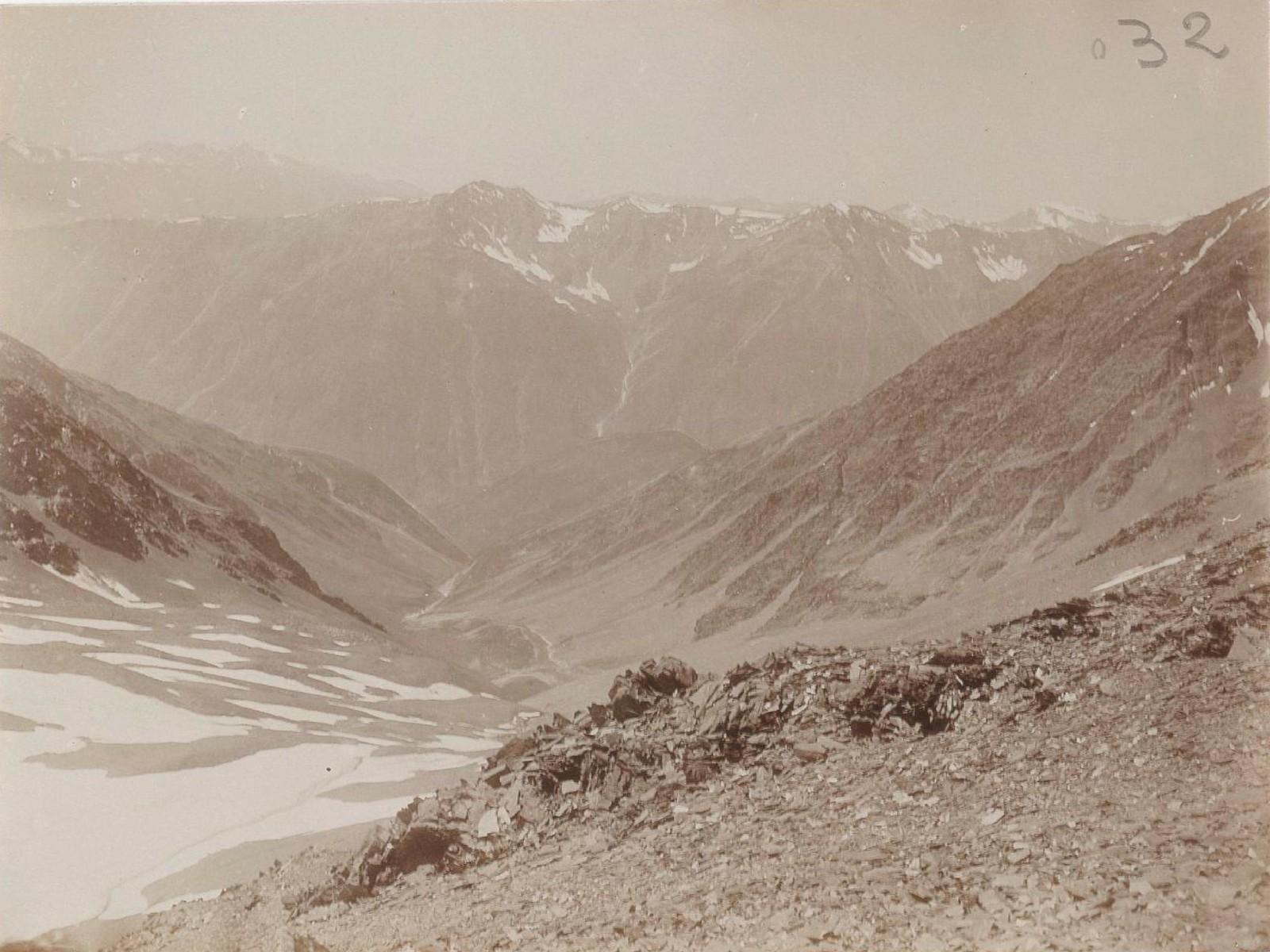 08. Восточный Кавказ. Вид вниз от перевала Катчу